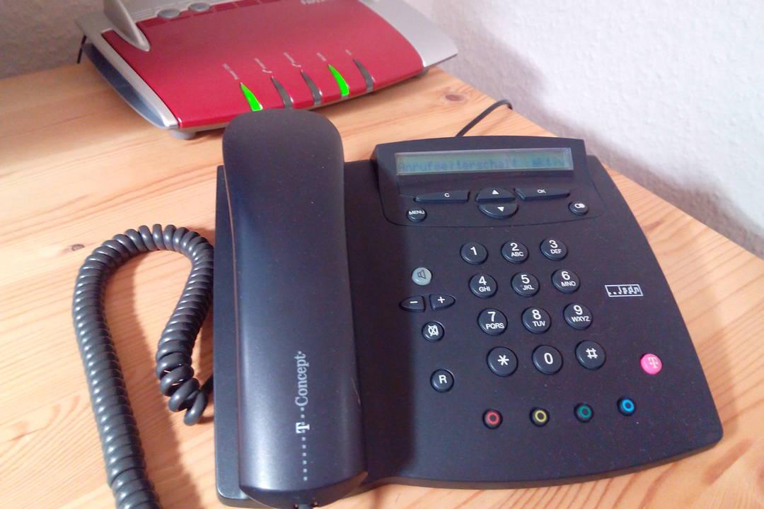 Telefon und Router