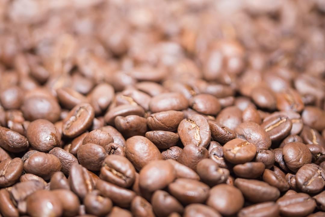 Geröstete braune Kaffeebohnen